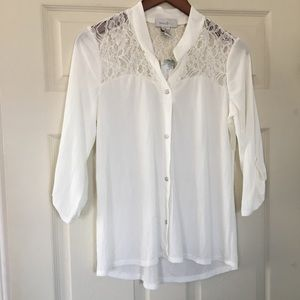 7dfbe752490 Emma & Olive Button Front lace top blouse XL